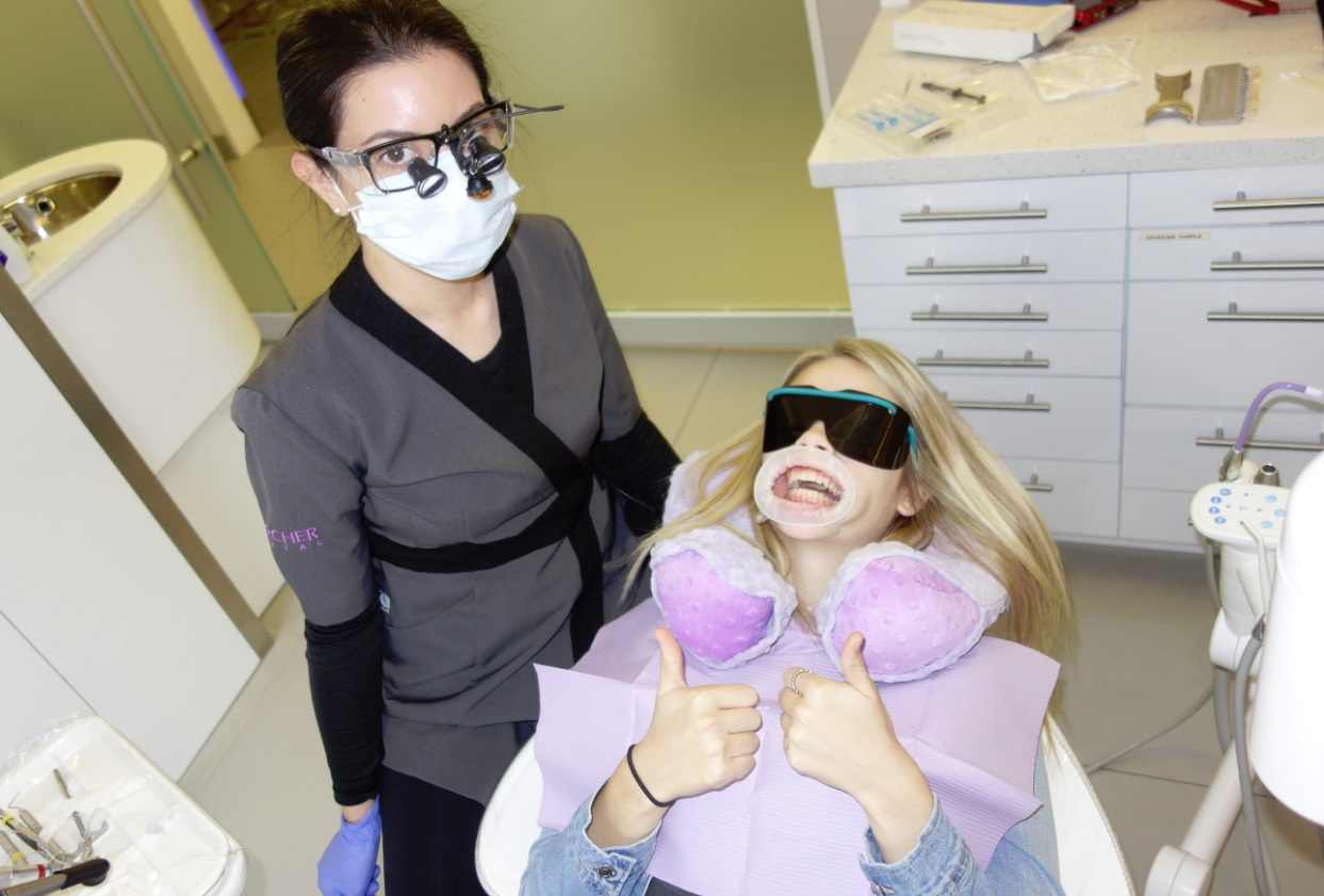 thumbs up Archer Dental teeth whitening